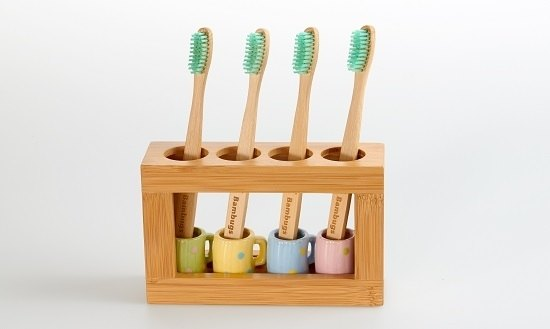 Bamboo holder (for toothbrushes/make-up brushes) with a set of ceramic cups