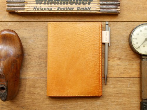[ weekenlife ] - Leather Book Sleeve A6 ( Custom Name ) - Classic Tan