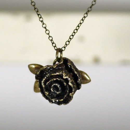 [* Charlene ‧ gold jewelry] really Lace Rose Necklace - copper / bronze
