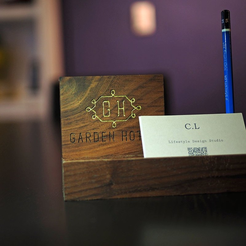 """CL Studio"" [hand-made solid wood business card holder - Customized customized lettering]"