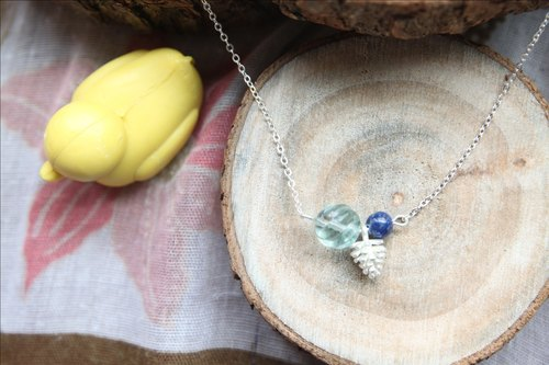 Small pine cones to fight natural Harmonia (light green) fluorite fight lapis twisted silver plated necklace