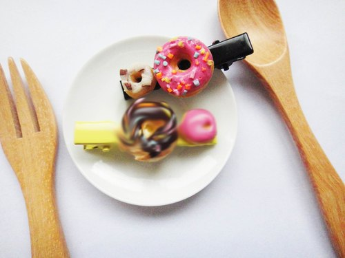 All tastes donuts hairpin
