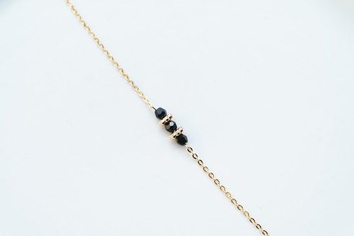 :: Girls Series :: Mini Black Lace Flower Necklace with Fine Clavicle