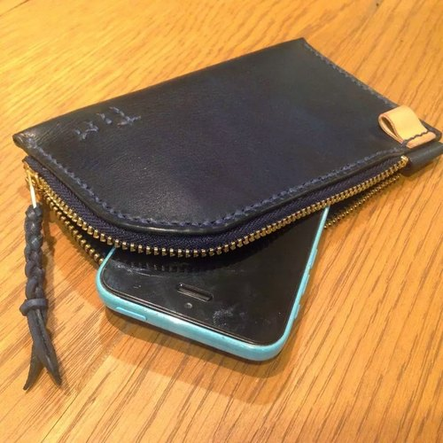 Handmade hand-dyed leather mobile phone case (free printing, embroidered words