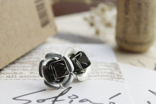 [Earring]Iron Rose