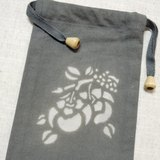 【姆姆草木染】欖仁葉植物染深灰色束口袋(柿柿如意)