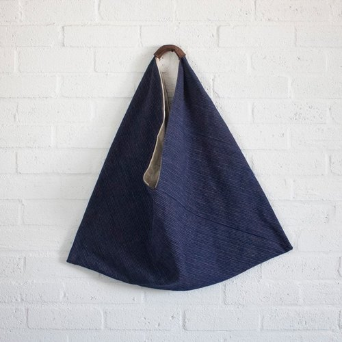 · Double-sided triangle weave linen package