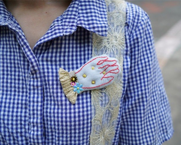 magichand hand-made embroidery hand beaded brooch trumpet