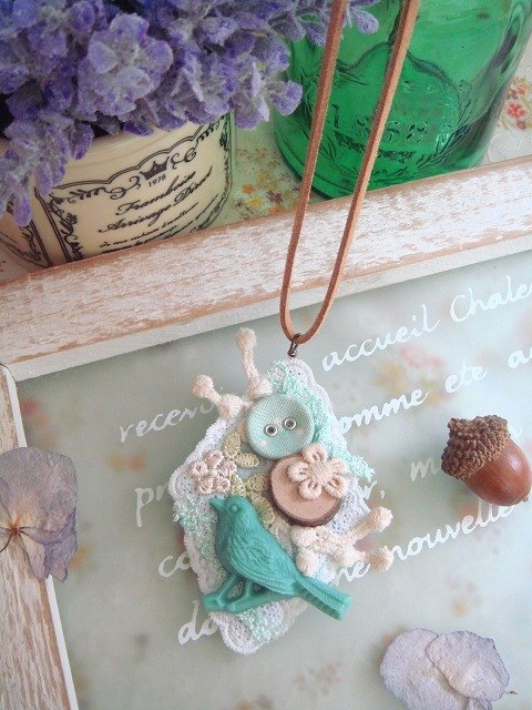Garohands old dream forest green bird Bulei Si Paris retro style brooch necklace N001 dual-use forest-based gift