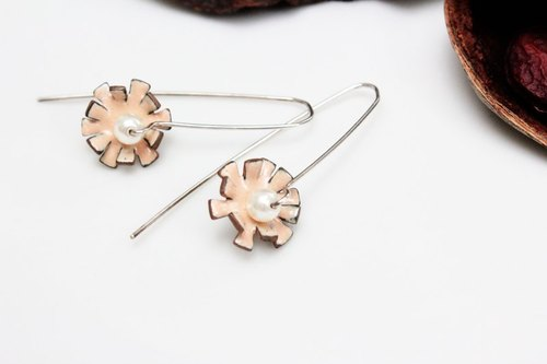 Flora Earrings Enamel Flower Earrings (Pink)
