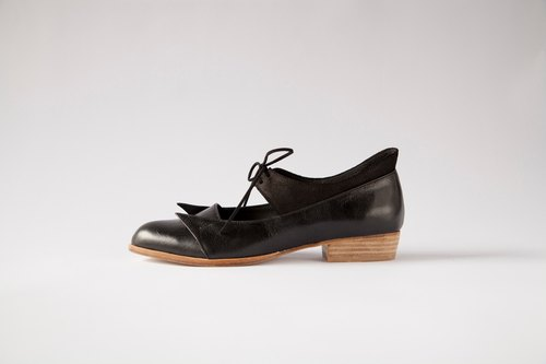 ZOODY / sky messenger / hand shoes / flat strap shoes / black