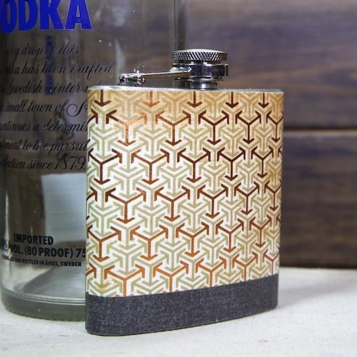 Golden Chain Pocket Flask (6oz)