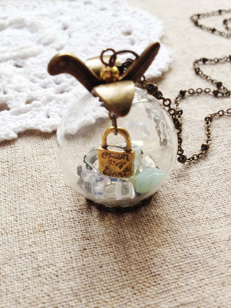 Opal Opal desire to pray kite natural stone crystal ball necklace