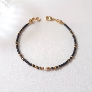 Night ‧ pearl brass beaded bracelet