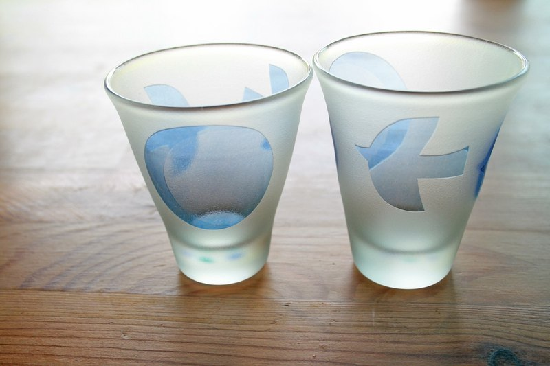 Cold sake glass of migratory birds