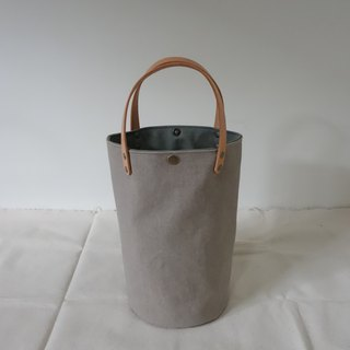 Simple bucket bag, washed brown green