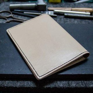 Leather handmade leather passport holder Passport Holder (original skin color)