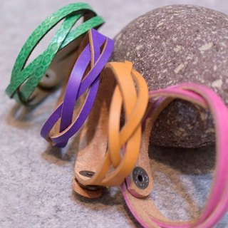 Handmade leather braided leather bracelet multicolor leather concept can mark the English name