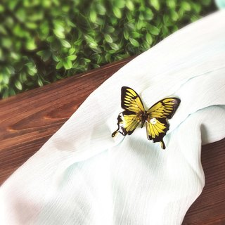 * Haku‧Neko * Yellow hand-painted swallowtail butterfly brooch
