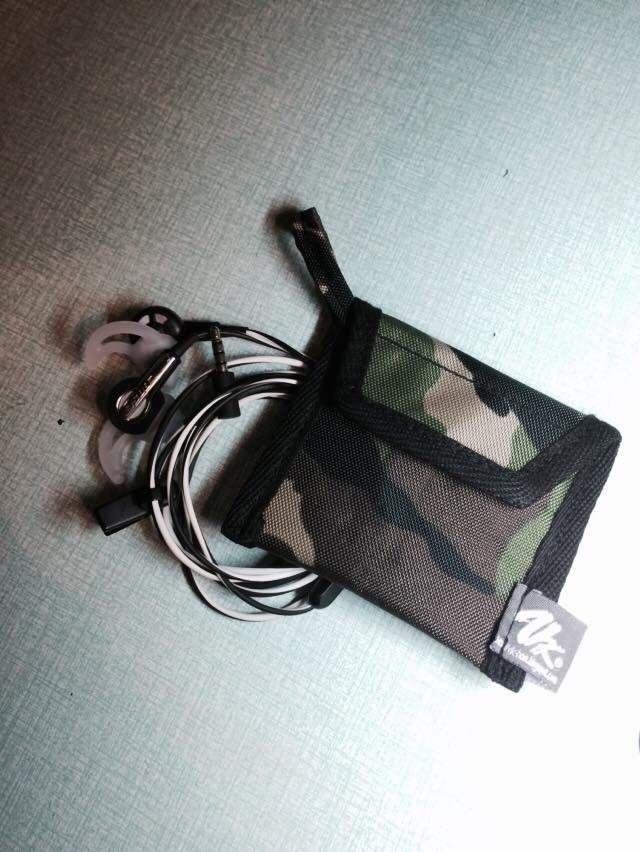 Waterproof portable headset bags