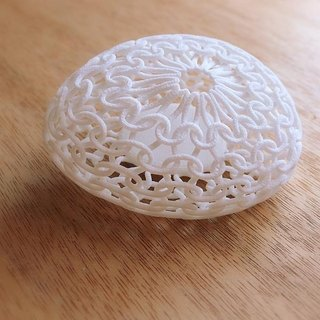 knit white brooch