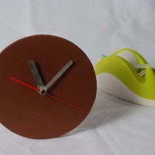 Minimalist style - round / square 100% leather, leather desk clock mute clock 10 cm -Mark Honor