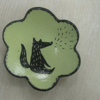 DoDo hand whisper. Animal silhouette series - fox flower dish (green)