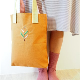 Summer の tree │ │ fine hand embroidery small bags