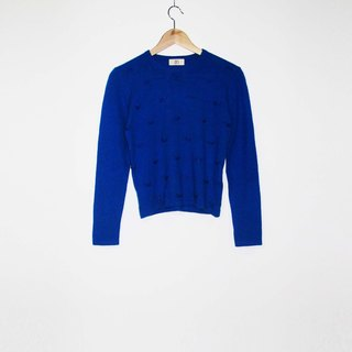 Wahr_ blue beads sweater