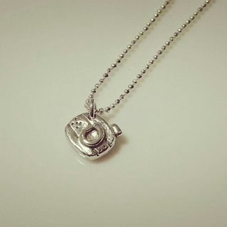 Silver mini camera small camera necklace / clavicle chain / bracelet / gift / anniversary / Valentine