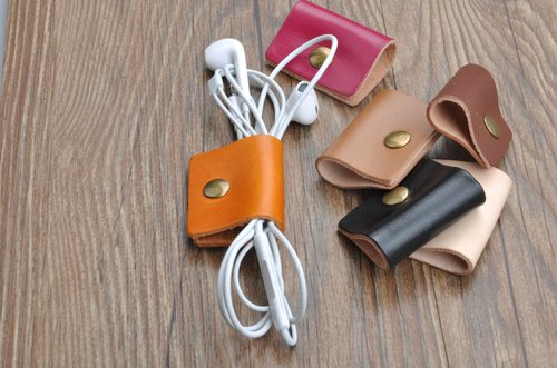 Handmade leather hub headphone cable data lines accommodated six color choices tied up with ribbon