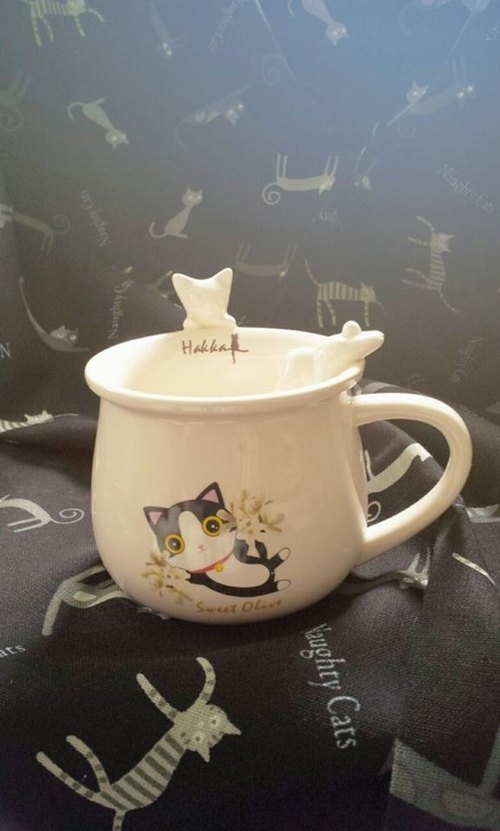Hakka white porcelain cup of sweet-scented osmanthus cat