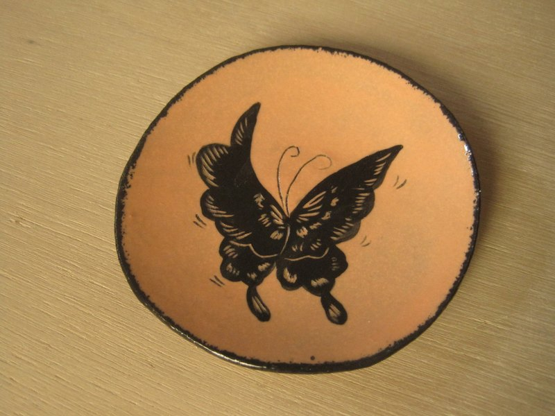 DoDo hand whisper. Animal silhouette series - butterfly small dish (powder orange)