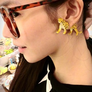 Taiwan original Double M magic animal earrings - leopard articles