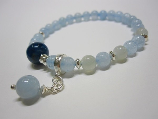 Round Float - All Natural Aquamarine + Yabaidi + Moonstone 925 sterling silver handcuffs Hong Kong original design