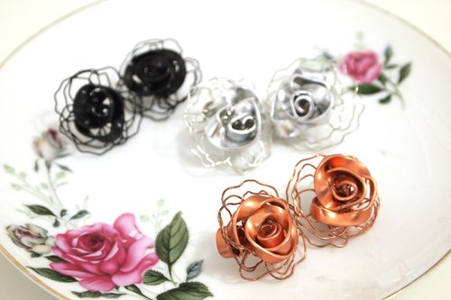 rose copper wire stud earrings