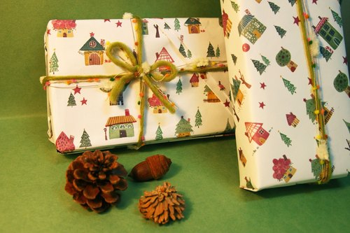 Christmas Cottage Christmas Cottage 10 into the wrapping paper A4