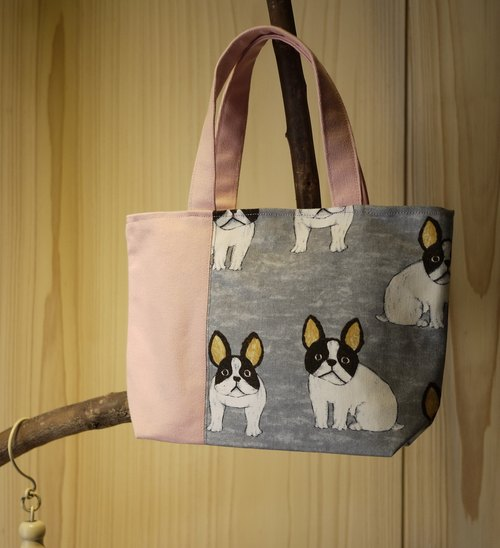 [Katie. C Katie. heart. Feel relaxed walks of life] small bag / lunch bag / Walking bag / hand rolled package = big ears / French Bulldog