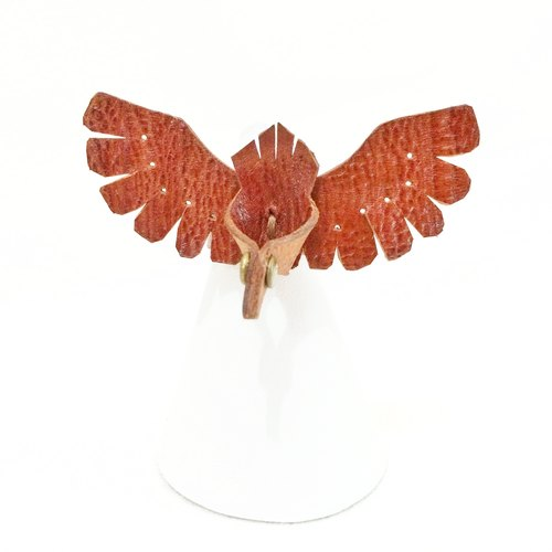 Follow Mie-U Fly I Fly - birds Leather Ring - reddish brown / tree grain cowhide