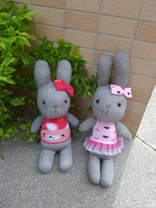 [Happiness 咩 咩 • hand made shop] lovely gray bunny doll