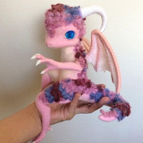"Wool felt ""Pink Dragon"" [Free Shipping]"