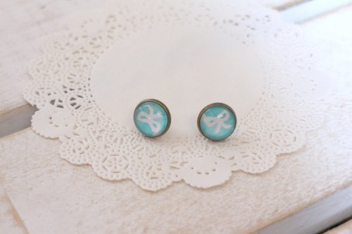 [Time] blue green gemstone earrings bow