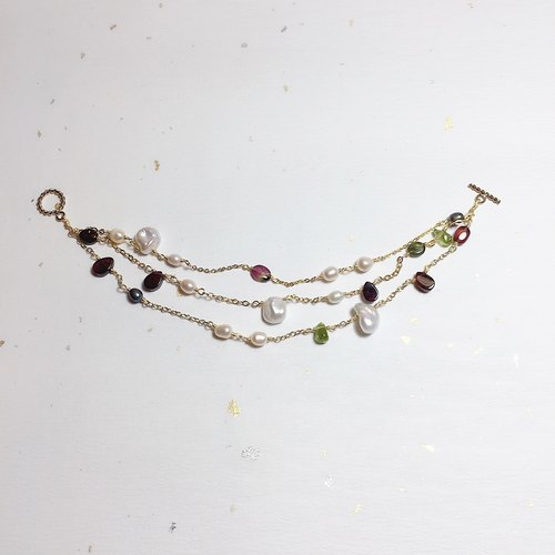 {Ba Sailong street} Tripple row that little gem bracelet / 14K NOTE gold / natural pearls, tourmaline, garnet red