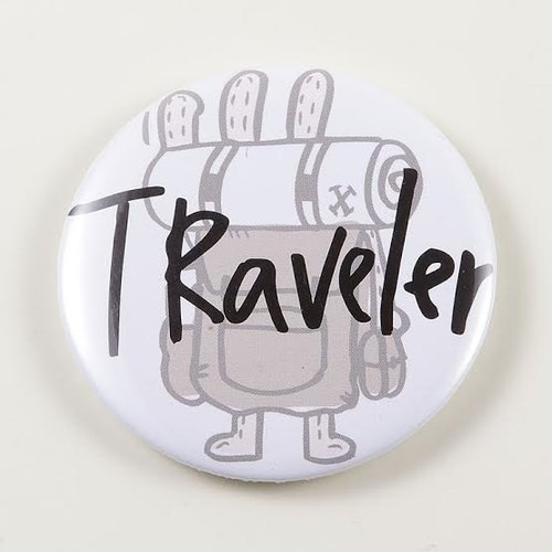 """Foufou"" badge Pins (58mm) - Traveler"