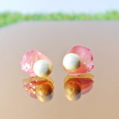 PS anthomaniac AGFC | perspective of pink rose petals pearl ear clip Mian Mian