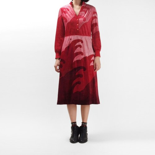 │moderato│ waves cut red vintage dress / Slightly │ Japanese girl. Individuality girlfriend .VINTAGE. Cute