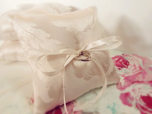 Romantic wedding essential * simple strap ring pillow