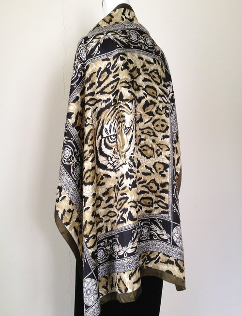 When vintage [tiger and leopard totem antique shawls / scarves] abroad antique shawl scarf back VINTAGE