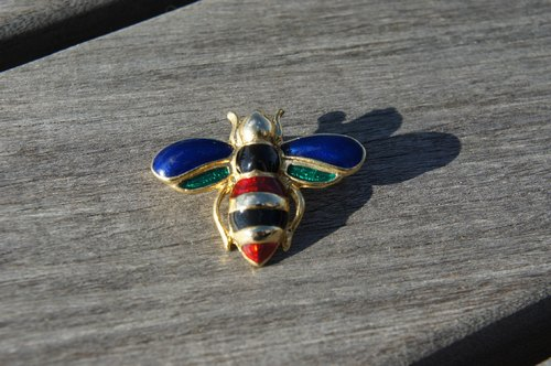 Stained glass bee gilded antique brooch PdB Picks New York