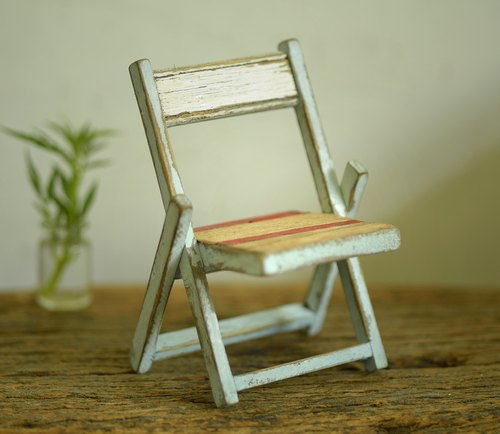 Retro hand-grandmother folding chairs